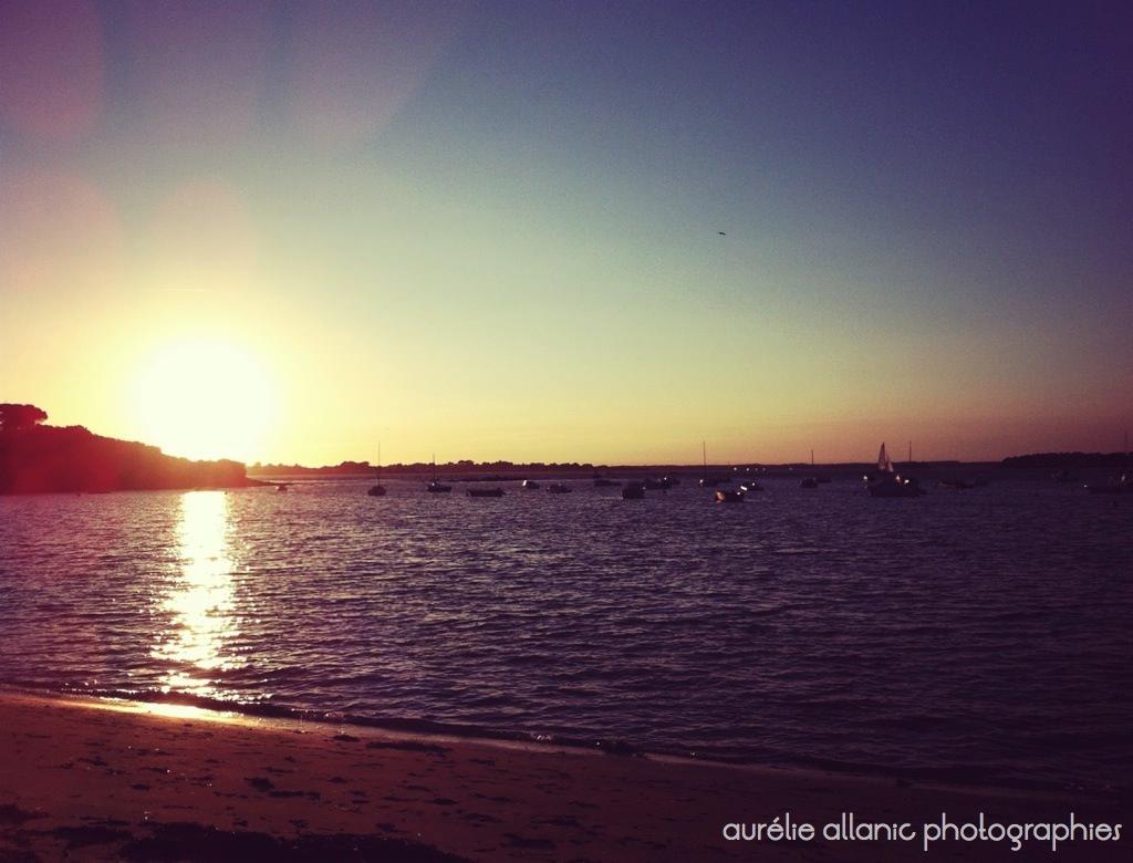 coucher de soleil sur la mer en bretagne