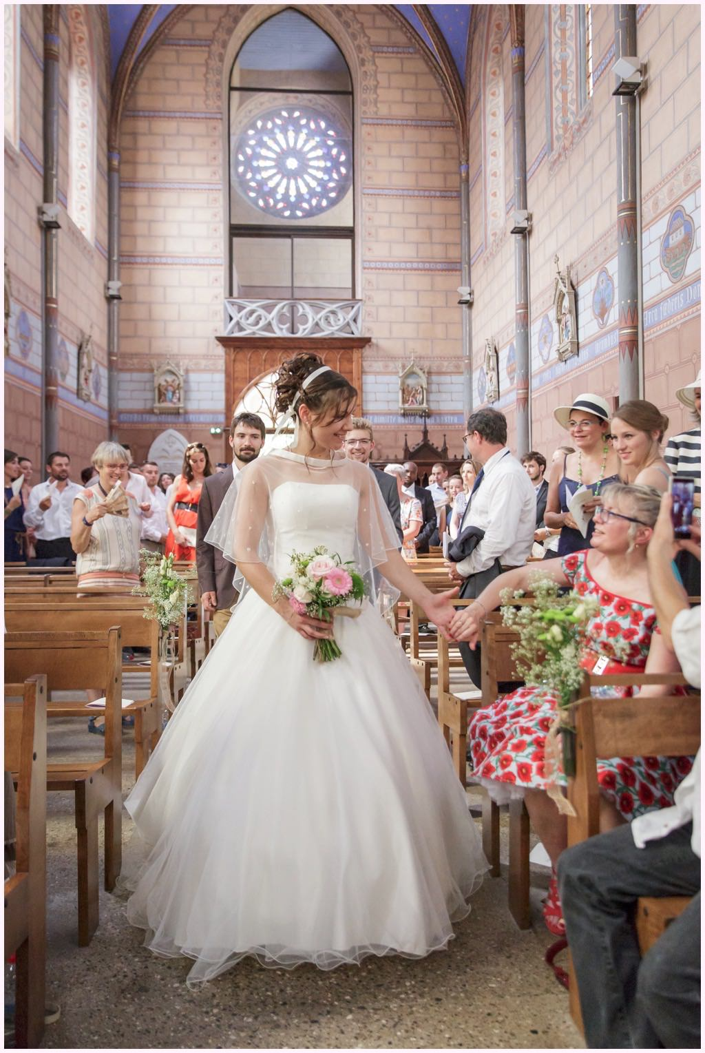 mariage chambery église barberaz entrée de la mariés émotion