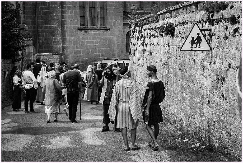 cortege mariage en costume photographe mariage medieval nozeroy photographe aurelie allanic
